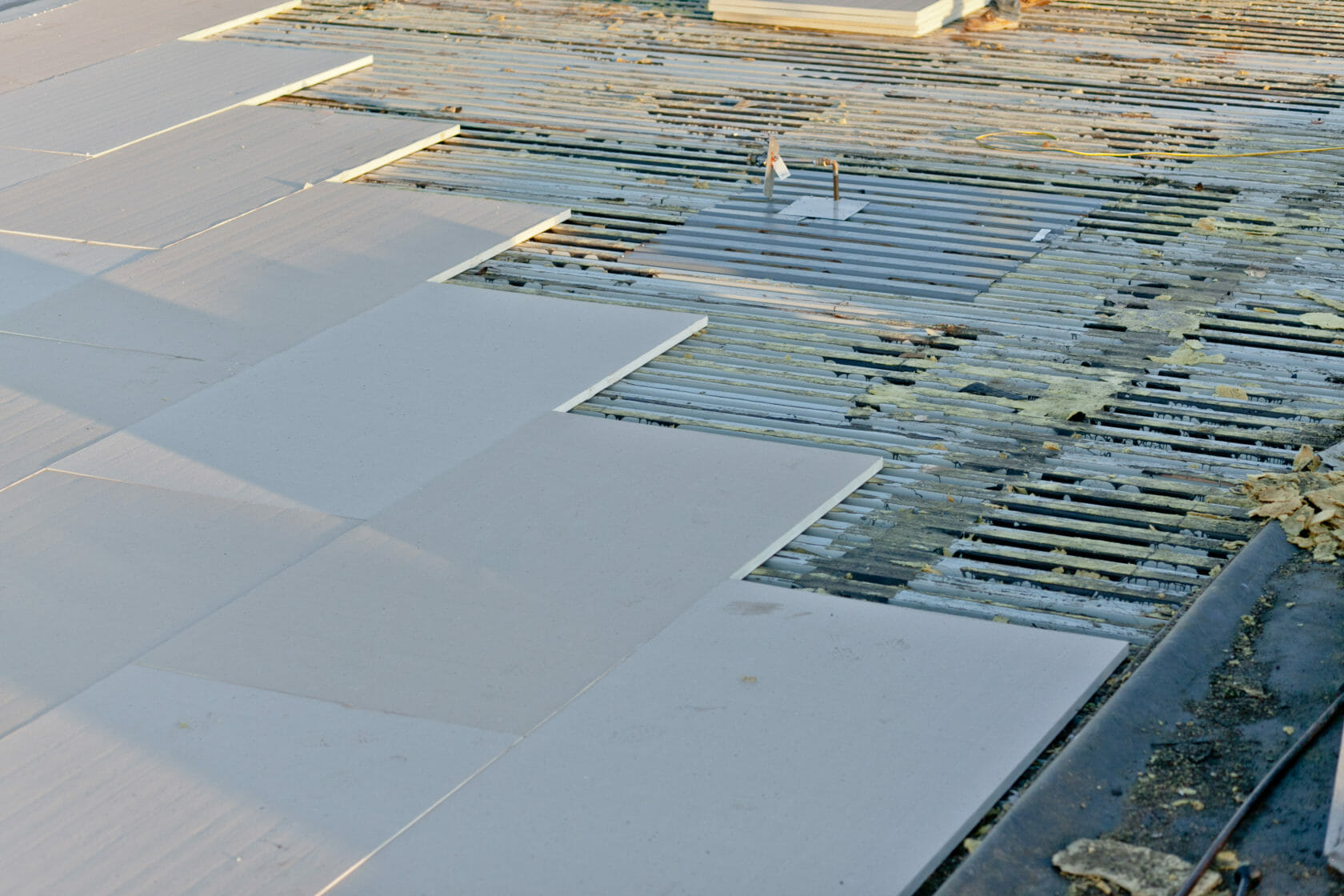 process of commercial roofing insulation