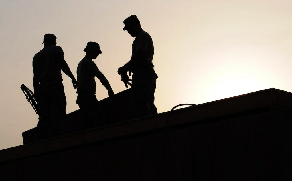 workers-on-roof-top