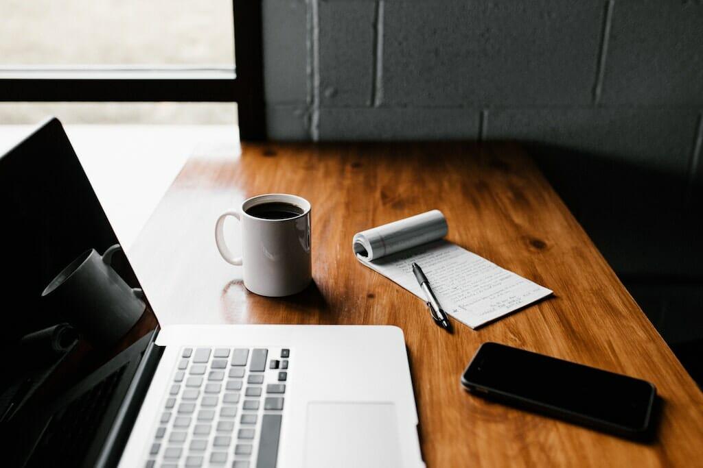 list-on-desk