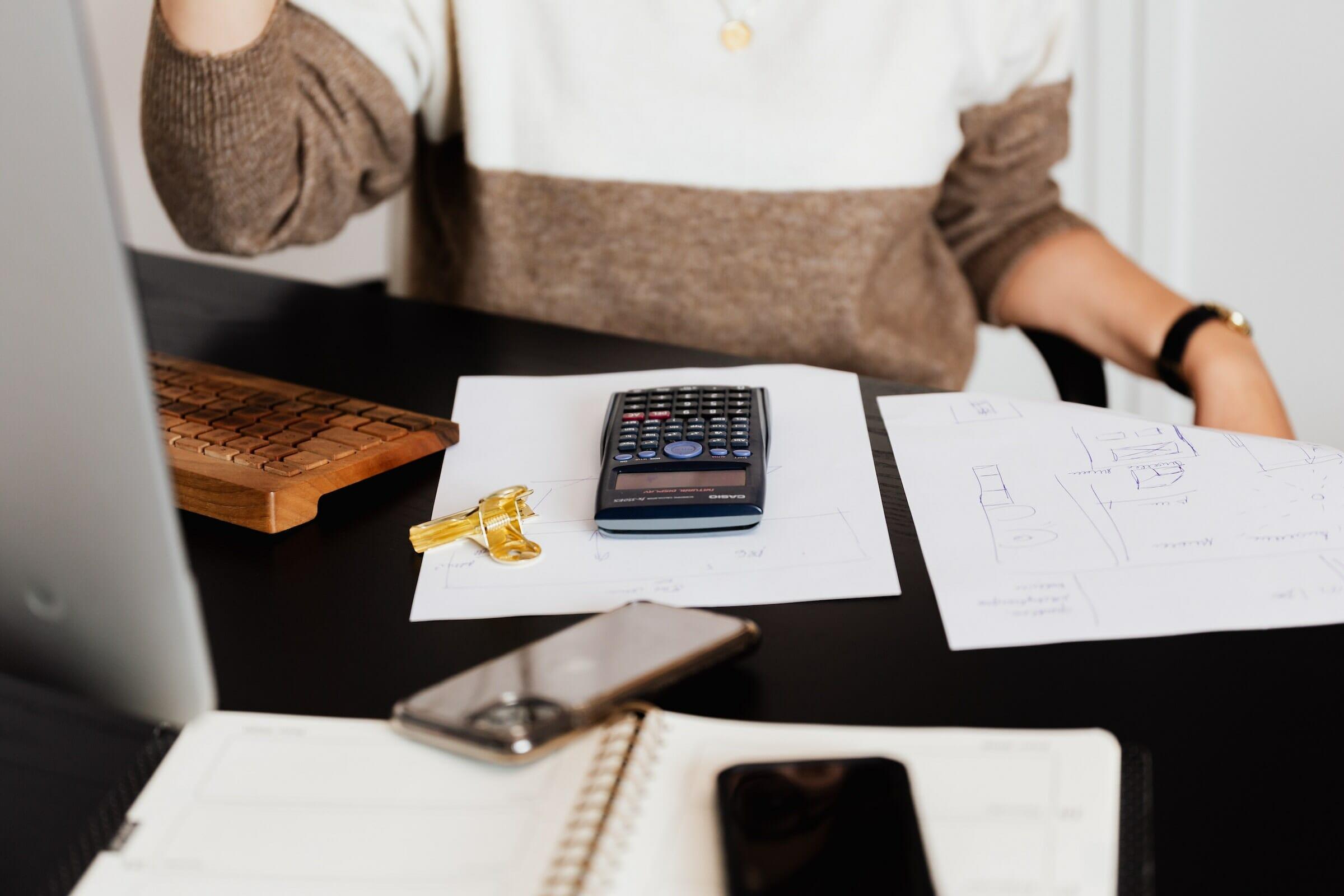 woman-doing-desk-work