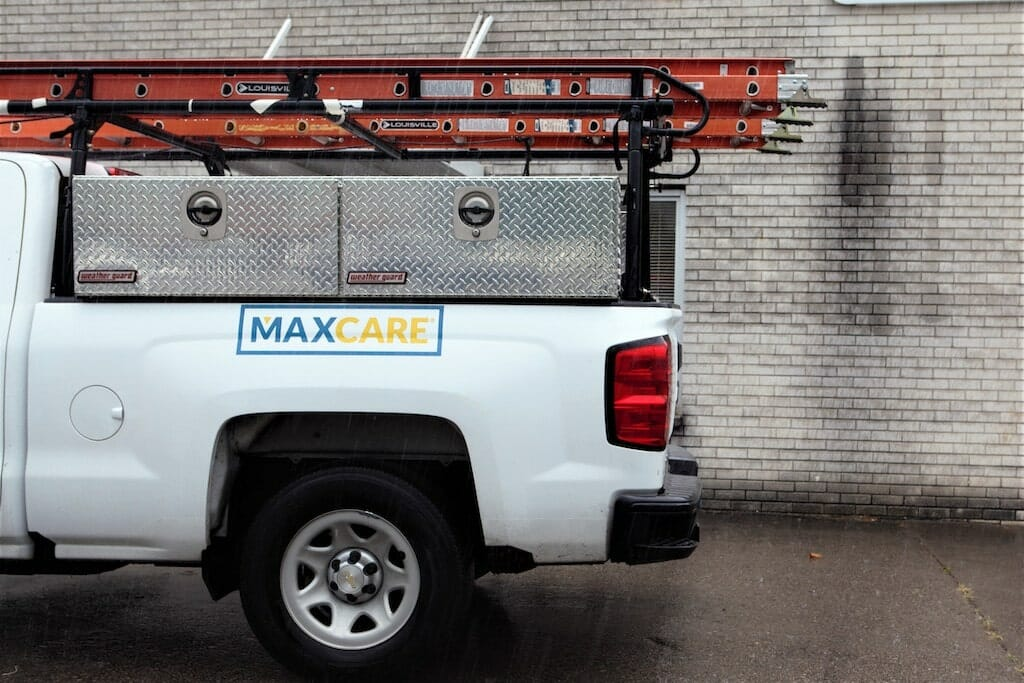 maxwell-roofing-maxcare-truck